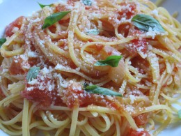 linguine with summer tomato sauce